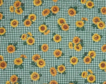 Quilted Sunflower Table Runner, 17 x 40 inches, Sunflower Table Topper, Machine Quilted