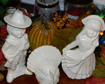 Pilgrim couple with Gobbler Turkey Thanksgiving Centerpiece  Ceramic Glazed White
