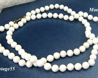 Monet Necklace White Glass Beaded knotted