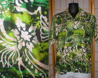 60s green and white floral print Hawaiian shirt mens size medium