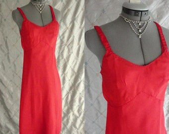 60s Slip // Vintage 1960s Bright Red Acetate Satin Slip by Wonder Maid Molded Magic Size 32