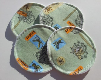 2 Pairs of Cloth Nursing Pads - Spiders on Green