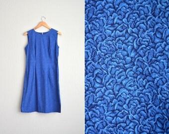 Size M // SALE // FLORAL SHIFT Dress // Royal Blue - Printed Sleeveless Dress - Vintage Handmade.