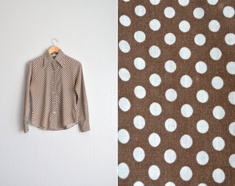 vintage '70s brown POLKA DOT long sleeve button-up shirt with HEART-shaped buttons. size s m.