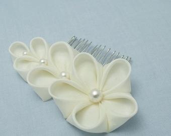 Bridal Ivory Silk Flower, Bride, Silk Flowers, Wedding, Tsumami Kanzashi, Maiko, Hair Comb