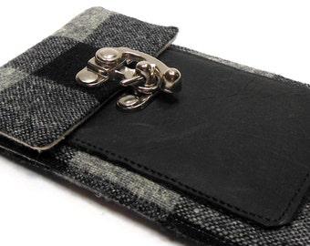 iPhone wallet - black and gray buffalo check