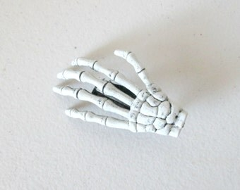 Single Skeleton Hand Hair Clip