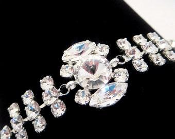 Bridal cuff bracelet, Swarovski crystal cuff bracelet, Wedding bracelet, Bridal Rhinestone bracelet, Wedding cuff