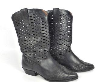 Nine West Boots Vintage 1980s Black Flat Leather Cage Open Weave Women's size 7