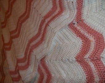 A-1313 Peachy Baby/Toddler Zig Zag Afghan