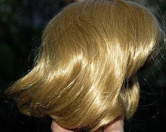 wig for a doll... color honey blonde... K356