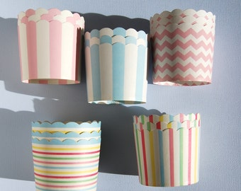 Assorted Scallop Baking Cups in Pastel (12)