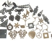 Mixed lot of Arte Metal and Natural Brass pieces by Vintaj, 35 pieces (lot 3)