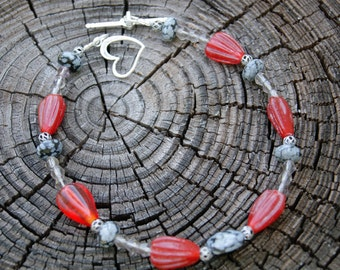 Black Lace Agate and Red Glass Bracelet