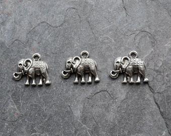 15 Silver Color Metal Elephant, Meditation Charms, pendants, Antique silver color 17x14mm
