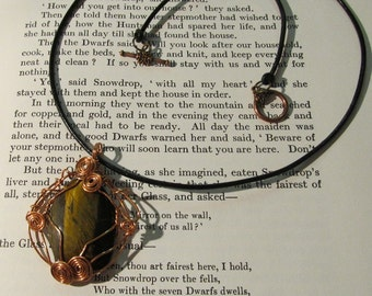 Item 2158 Polished Tigers Eye wire wrapped pendant necklace