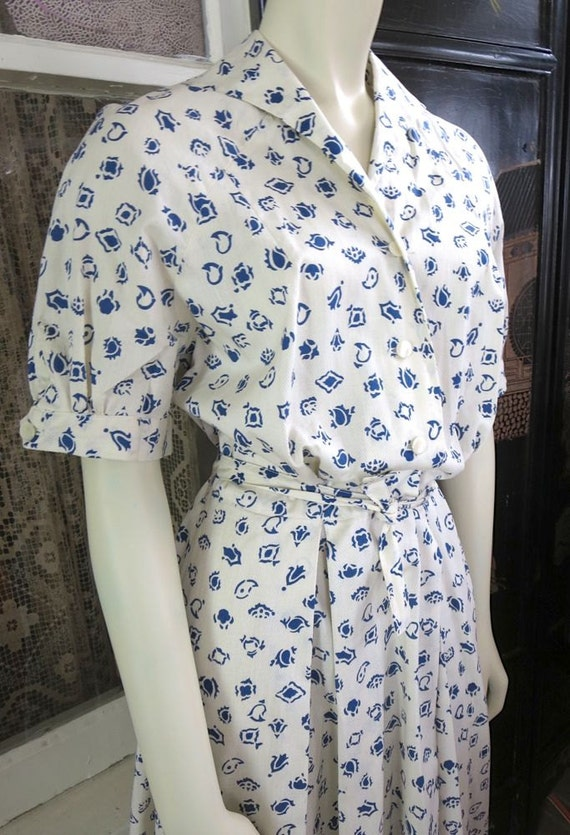 Early 1950s Vintage White Cotton Dress Marine Blue Print Full Skirt Up To 40 Bust
