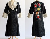 Womens Size S Japan Dragon and Company Robe 1940s / Stunning Asian Floral Embroidered Back