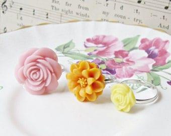SALE Girl's Ring Set Flower Children Pink Orange Yellow Citrus Spring Pastel Girls Party Favour Botanical Floral Bonbonniere Jewellery