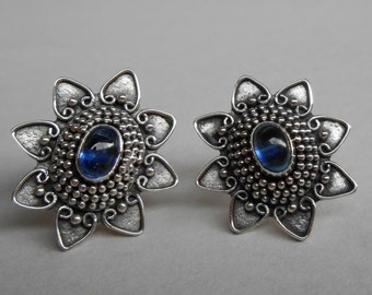 Sterling Silver cabochon kyanite stud Earrings / Granulation handmade jewelry / silver 925 / 0.90 inch