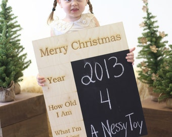 Merry Christmas Chalkboard Sign Family Photos Photo Prop (Item Number MHD50000)