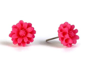 Fuchsia hot pink chrysanthemum flower stud earrings (300) - Flat rate shipping
