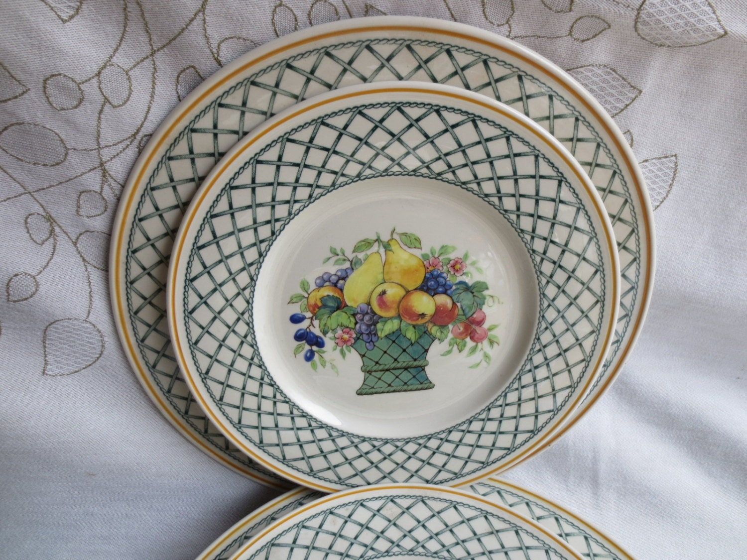Villeroy and boch basket salad plate fruit by for Villeroy and boch plates