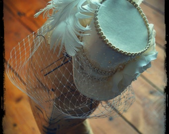 Vintage Bridal Mini Top Hat Fascinator