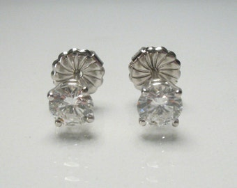 Fine Diamond Earrings - 1.06 Carats Diamond Total Weight - EGL USA Appraisal Included USD 8340.00 - Fine Quality