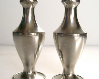 Metawa Holland Salt and Pepper Shakers 94% Pewter