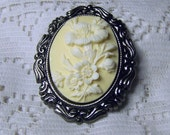 Floral Bouquet Cameo Brooch - Soft Yellow, Vanilla Pudding, Ivory, Cream, white flowers