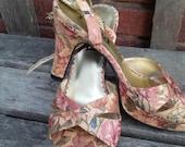 Vintage mauve gold rust green Floral Baroque ladies platform evening wear strap Heels Size 7