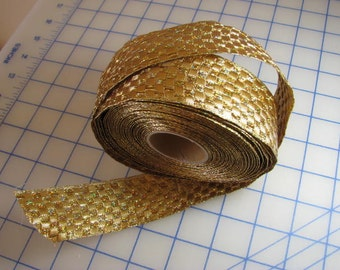 5 yards - Reversible Gold Checked Metallic Mesh Wired Ribbon - 1-1/2 inch wide