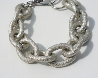 Modern Matte Silver Chunky Cable Link Bracelet - Textured Finish