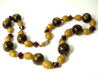 1930s Vintage Necklace Art Deco Olive Green, Deep Red, and Marbled Brown Beads