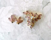 FREE SHIP,Vintage Mauve Glass, Goldtone Brooch, Earrings Clip Backs