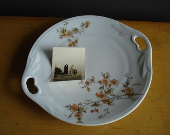 Pretty Floral Plate with Handles - Vintage Serving Plate - Vintage Cake Plate