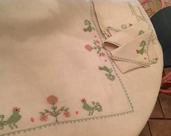Vintage Linen Table Cloth Eight Napkins Chickens Roosters Pale Green Peach Embroidered Linens