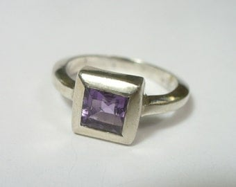 Vintage square faceted purple amethyst inlay ring - sterling ring -  Size 7 - 5.2 gram
