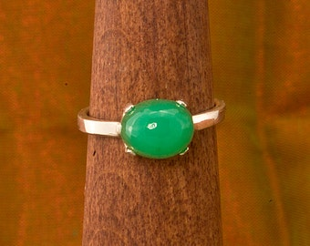 Apple Green Chrysoprase  Argentium Silver Stacking Ring