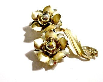 Vintage 1960's Figural Floral Brooch, Large Gold Tone Brooch, Mid Century, Odd Statement Brooch Pin, VisionsOfOlde