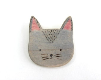 cute cat face wooden brooch