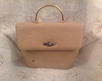 Vintage Etienne Aigner Beige Leather Handbag Worn Chic Preppy Style Fashion Wear