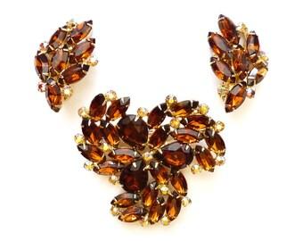 Vintage Topaz Rhinestone Pin and Earrings Set in Gold Tone Setting