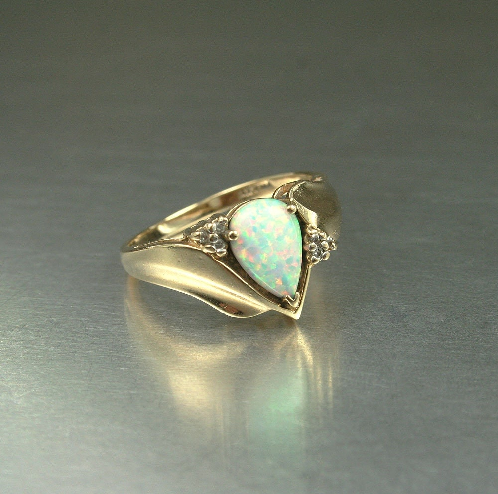 vintage ring 14k gold opal jewelry