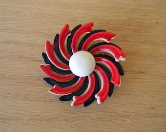 Vintage Midcentury Flower Brooch Enamel Coated Metal Flower Brooch / Pin / Button