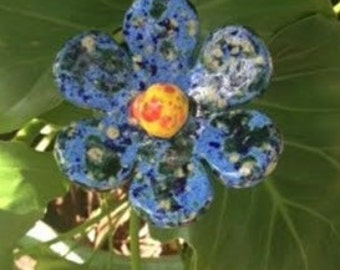 Flower Art Stakes -  Blue with yellow center