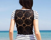 White and black stripes t-shirt with upcycled vintage crochet doily back - Size XS