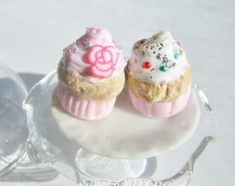 Miniature Cupcakes - Realistic Look Dolls House Accessory - Handmade in the UK