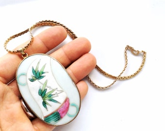 vintage statement ceramic pendant cameo medallion necklace